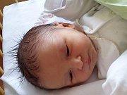 Jiří Arabasz se narodil 1. února, vážil 3,28 kilogramů a měřil 51 centimetrů. Rodiče Monika a Petr z Opavy svému synovi přejí jen to nejlepší v budoucím životě. Už se na něj těší také bráškové David a Štěpán.