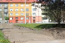 V parku ležícím u strojní průmyslovky nalezli archeologové část dnes již neexistující Johanitské ulice.