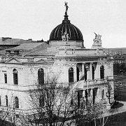 Tak vypadala výstavní budova muzea v 90. letech 19. století.