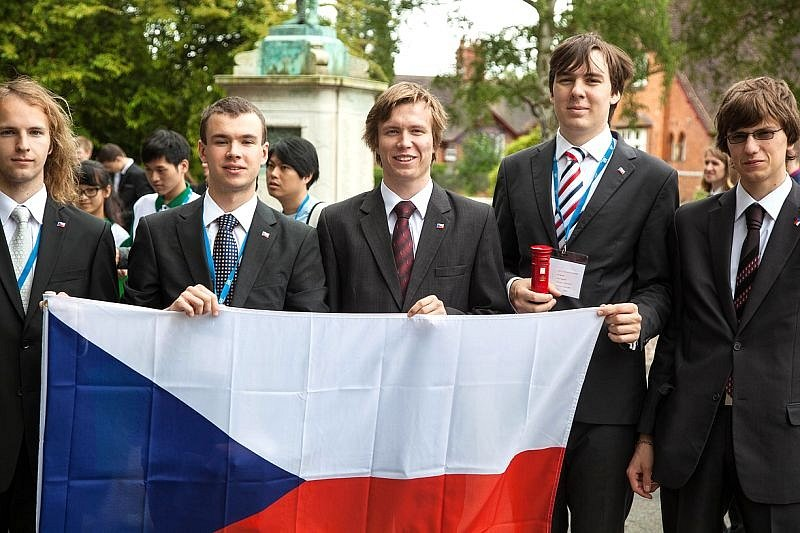 Úspěšní studenti Mendelova gymnázia.