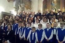 Společně s pěveckými soubory ze Stěbořic a Slavkova se definitivně rozloučíme s vánočním časem.