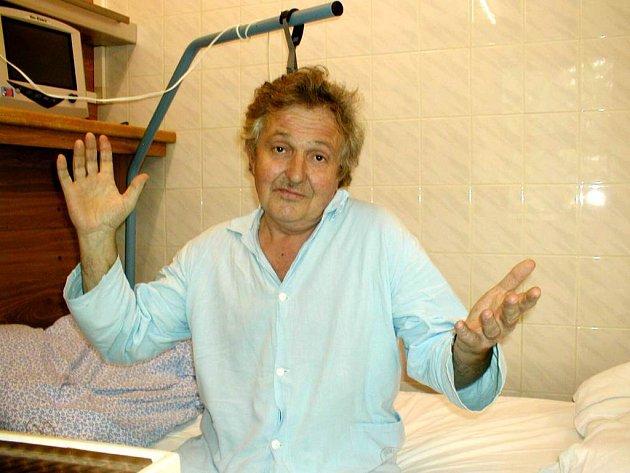 Pacient Drahoslav Doušek by mohl o tom, co pro člověka znamená klíšťový zánět mozku, dlouho vyprávět.
