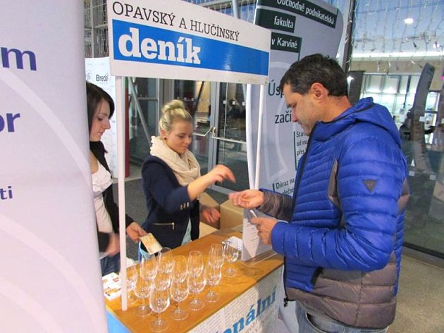 U vstupu do Bredy si zakoupíte degustační skleničku za 70 korun.