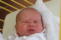 """Radovan Indrák se narodil 25. září, vážil 3,22 kg a měřil 50 cm. """"Doma už se na miminko těší bráška Adam. Přejeme hlavně hodně štěstí, zdraví a spokojenosti,"""" popřáli rodiče Kateřina a Zdeněk Indrákovi z Budišova nad Budišovkou."""