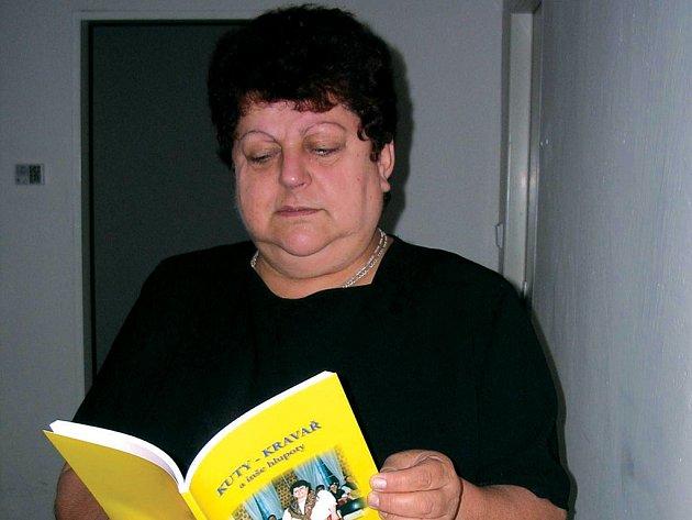 LIDIE RUMANOVÁ vydává knihu pravdivých příběhů v prajzkém nářečí.