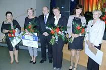 Titul Moravskoslezská sestra 2015 získalo pět zdravotnic. Dvě z nich jsou z opavské a dvě z krnovské nemocnice.