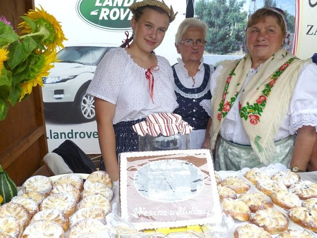 Loňského ročníku soutěže O zlatý koláč v Háji ve Slezsku se zúčastnil také tým z Vřesiny u Hlučína.