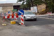 Uzávěra na křižovatce ulicí Bílovecká a Hlavní.