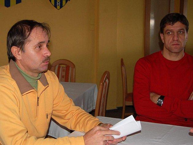 Nový trenér fotbalistů SFC Opava Jaroslav Horák (vlevo) a jeho asistent Josef Mucha.