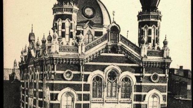 Synagoga doplatila na Křišťálovou noc.