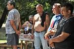 Demonstraci Strany rovných příležitostí doprovázely 3. srpna ve Vítkově na Opavsku klidné proslovy účastníků a romské písně.