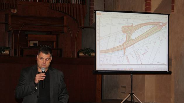 Kromě funkce tajemníka Sdružení je Martin Dostál také členem poradního sboru pro rozvoj dopravní infrastruktury Moravskoslezského kraje.