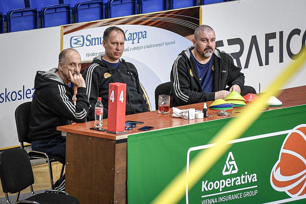 Trénink hráčů BK Opava, 5. března 2021 v Opavě.