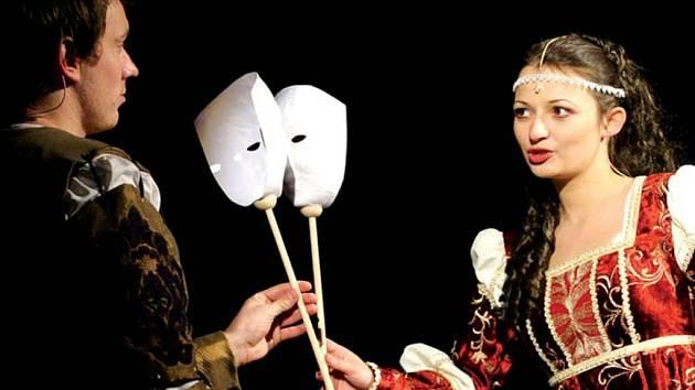 Romeo a Julie. Klasickou hru zpracovalo Těšínské divadlo do podoby muzikálu.