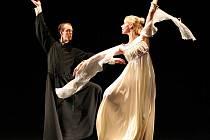 Kladivo na čarodějnici. Premiéru baletní inscenace uvedlo Slezské divadlo na konci března.
