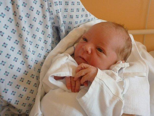 Matěj Zbořil z Budišova nad Budišovkou se narodil 1. května v novojičínské nemocnici. Po narození vážil 3,50 kg a měřil 50 cm.