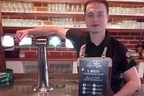 Lépe než Daniel Cábel pivo značky Radegast v Moravskoslezském kraji nikdo nečepuje.