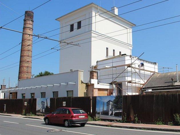Opravy věže u východního nádraží finišují. Chystá se architektonická výstava či expozice děl Kurta Gebauera.