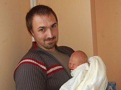 """Tomáš Kubánek se narodil 6. února, vážil 3,49 kg a měřil 50 cm. """"Je to naše první miminko, přejeme mu hlavně hodně štěstí, zdraví a pořádně proříznutou pusinku,"""" uvedl tatínek Lukáš Kubánek a maminka Martina Vychodilová ze Svobodných Heřmanic."""