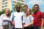 NA ZŠ Englišova dnes zavítal keňský oštěpař Julius Yego.