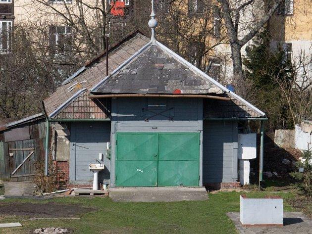 Bývalý pavilon Slezského spolku pro chov ryb v Opavě.