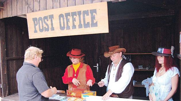 Koňská pošta přepraví všechny dopisy podané ve speciální poště.