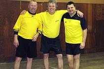 Vítězný tým kobeřického turnaje si říká Žlutí.