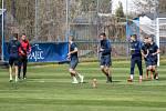 Fotbalisté Slezského FC po šesti týdnech individuální přípravy začínají trénovat společně.