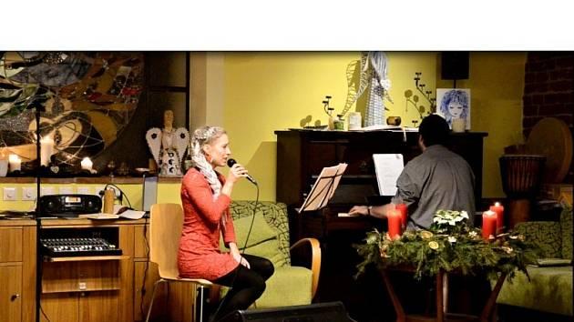 Vánoční koncert v Holosu.