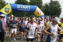 Mezinárodní půlmaraton se vrací na scénu.