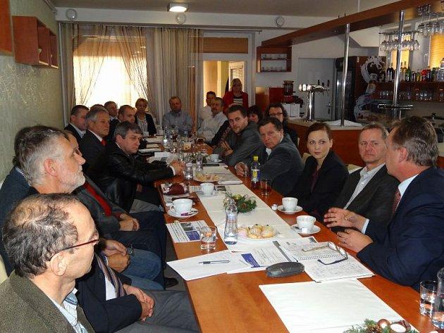 Jednání ředitelů školy a podniků dalo programu zelenou.