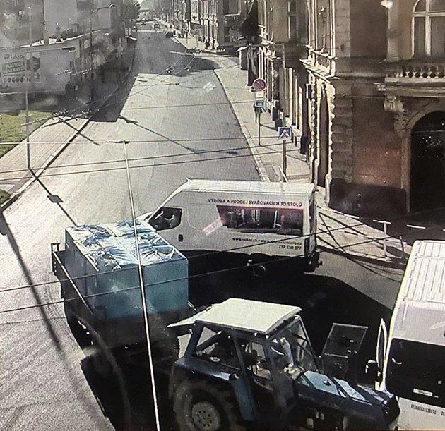 Nehodu zaznamenal také kamerový systém opavské městské policie.