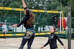 Český pohár 1* žen v plážovém volejbale, 11. července 2020 v Opavě. Vpravo Michaela Kulhánková.