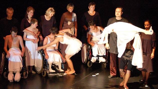 V rámci Bezručovy Opavy zde byl uveden ojedinělý divadelní projekt Labutí sen o duši. Variaci na slavný balet Čajkovského předvedli herci Divadla loutek Ostrava spolu s hendikepovanými herci, kteří jsou na invalidních vozících.