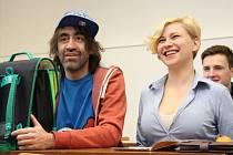Jak vypadá vyučovací hodina na Slezské univerzitě, si slavný režisér i herec ozkoušel na vlastní kůži.