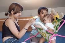 Tři děti paní Darji našly v Azylovém domě na Rybářské ulici dočasný domov.