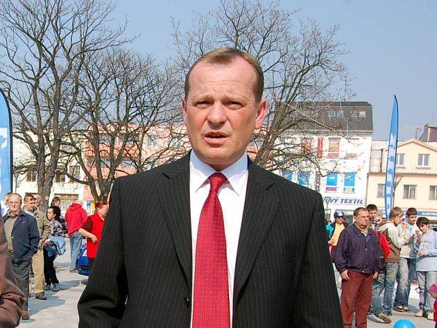 """Starosta Hlučína David Maňas. """"Nabídka našeho města stále trvá,"""" říká."""