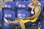 V hale, v okolí Sádráku a na spinerech  - tam v současné době lze spatřit opavské basketbalisty. Letní příprava opavského týmu je totiž v plném proudu. Středeční odpolední trénink byl toho důkazem.