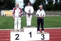 Opavský kušista Václav Losert (úplně vpravo) skončil na Bohemia Cupu třetí a může se těšit na světový šampionát.