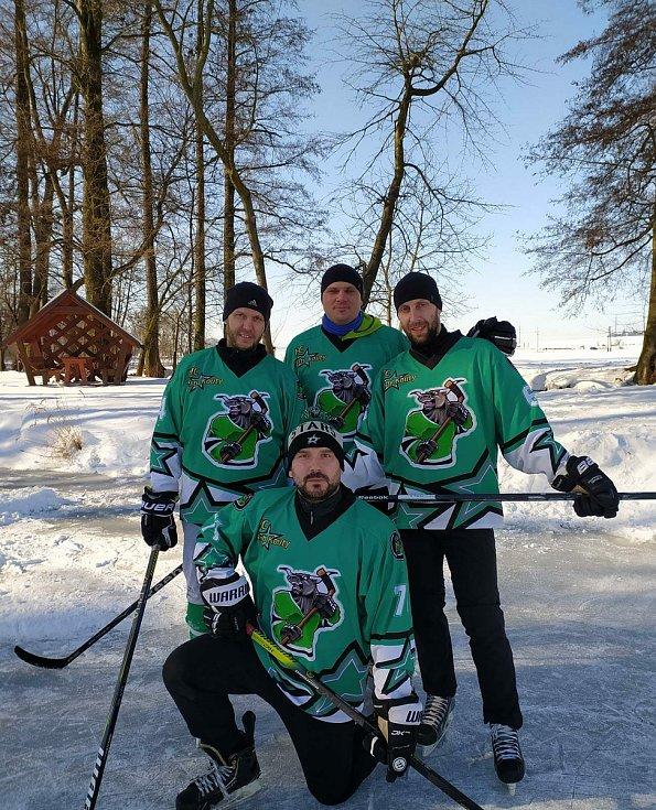 Amatéři hrálli hokej s profíky