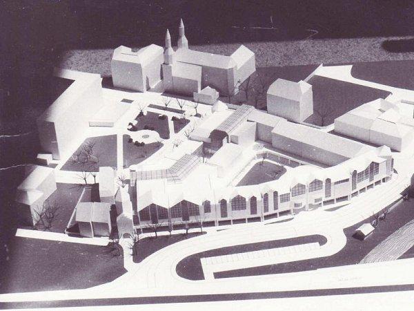 Náměstí Minoritů vKrnově se nezměnilo, tahle vize zůstala jen ve formě papírového modelu.