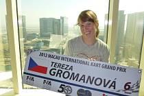 Tereza Grómanová se nechala zvěčnit s mrakodrapy v Macau.