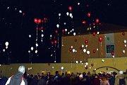 V Bohuslavicích doplnili akci také o vypouštění balónků s přáním Ježíškovi.