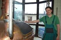 V malém hlučínském pivovaru Avar vyrábí pivo pouhých pět lidí.