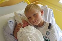 """Alžbětka Kadlecová se narodila 18. července, vážila 3,19 kg a měřila 50 cm. """"Malé přejeme hlavně zdravíčko a lásku. Je to naše druhé děťátko, doma už se na ní moc těší velký bráška Matyáš,"""" popřáli miminku rodiče Lucie a Marek Kadlecovi ze Svatoňovic."""
