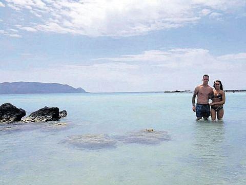 Vilém Fendrich s partnerkou Lucy byl na Krétě.