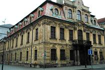 Na jednom ze skvostů opavského centra se podepsal zub času. V úterý budovu navštíví statik a jednou z variant je také to, že Blücherův palác zavře.