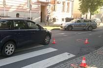 Tento přechod pro chodce na Roosveltově ulici v Opavě se stal v úterý ráno pro ženu málem osudný.