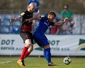 Vlašim - Zápas 23. kola Fortuna národní ligy mezi FC Vlašim a SFC Opava 22. dubna 2018 ve Vlašimi. Tomáš Smola - o, Milan Piško - v.