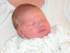 Martin Dobeš se narodil 18. června, měřil 51cm a vážil 3,7 kg. Šťastní rodiče Monika a Martin ze Suchých Lazců mu přejí ať ho v životě potká jen to nejlepší, je zdravý a spokojený.